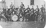 Изображение 1907 Оркестр гимназии второй слева во втором ряду.jpg