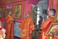 Митрополит Уфимский и Стерлитамакский Никон в церкви в честь иконы Божьей Матери «Скоропослушница» города Учалы.png