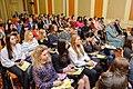 Студенти слухають виступ лектора на конференції.jpg