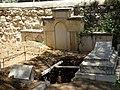 בית הקברות הבינלאומי של האגודה המשיחית השליחית (5857910478).jpg