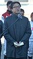 帯広競馬場で2016年の年頭挨拶を行っている帯広市の米沢則寿市長(2016年1月1日).JPG