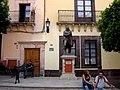 돈키호테를 쓴 세르반테스 동상 Guanajuato Mexico - panoramio.jpg