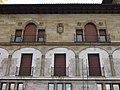 044 Casa Paquet, c. Claudio Alvargonzález 2 (Cimavilla, Gijón), façana.jpg