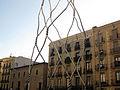05 Monument als Castellers, al fons el palau Centelles.jpg