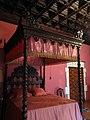 146 Castell de Santa Florentina (Canet de Mar), dormitori del rei, llit.JPG