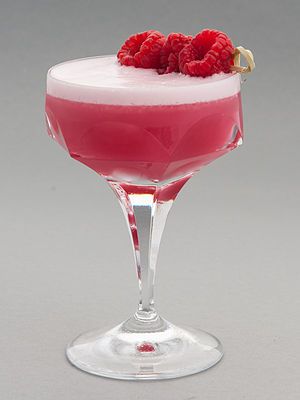 Pink Lady (cocktail) - Clover Club