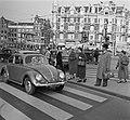 17 oktober Veilig Verkeersdag . Voetgangersoversteekpad Amsterdam, Bestanddeelnr 908-0724.jpg