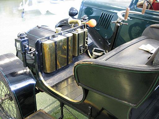 1899 Renault dash