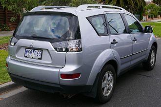 Mitsubishi Outlander - First facelift Mitsubishi Outlander LS (Australia)