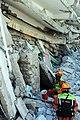 2010년 중앙119구조단 아이티 지진 국제출동100118 중앙은행 수색재개 및 기숙사 수색활동 (236).jpg