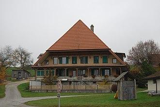 Deisswil bei Münchenbuchsee - Large farm house in Diesswil