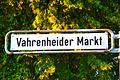 2014-08-21 Straßenschild Vahrenheider Markt in Hannover.jpg
