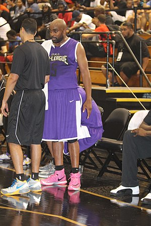 Tai Streets - Streets in the Nike summer basketball Chi-League in 2014