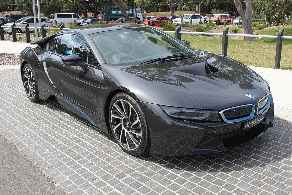 2015 BMW i8 (I12) coupe (25835062172)