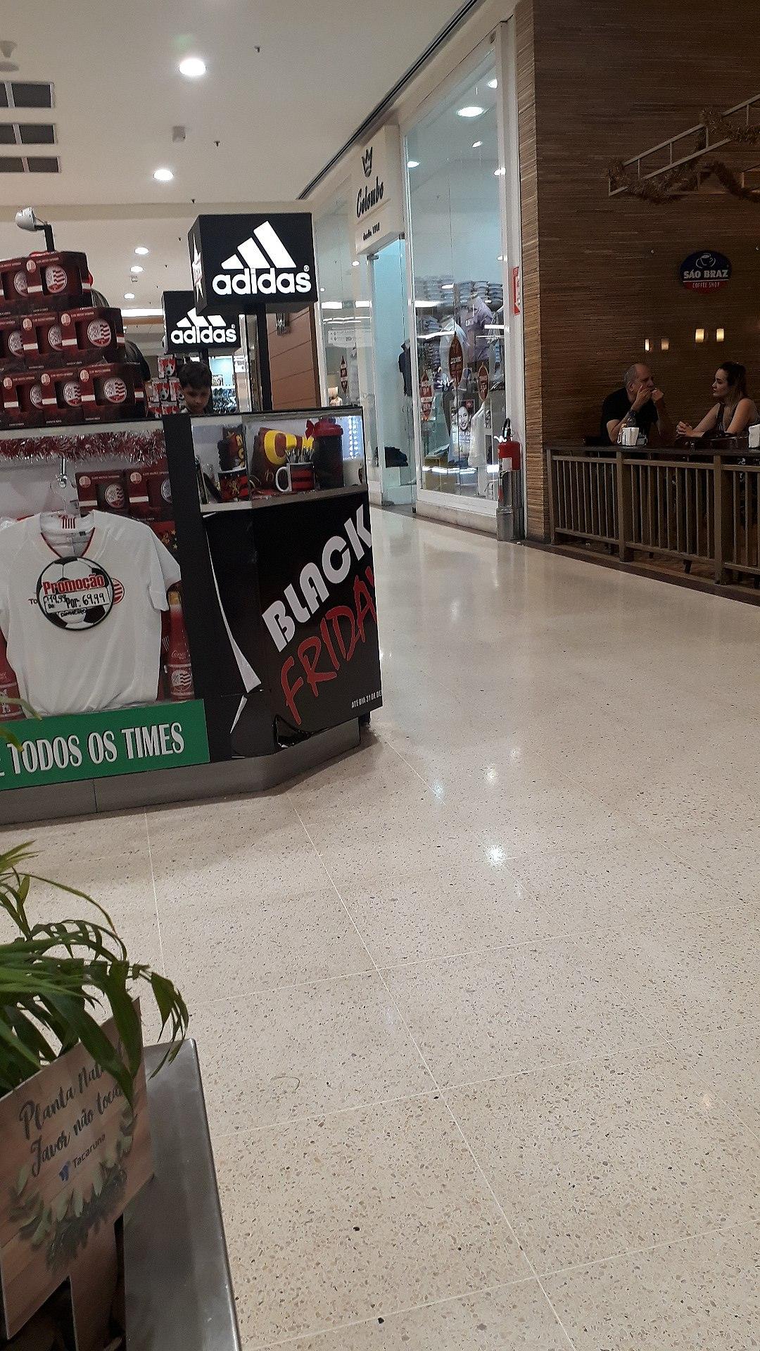 3f18ba6dc58 File 2017-12-16 - Adidas - Shopping Tacaruna - Brasil - Recife - PE ...