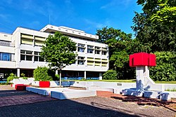 2019-05-13-bonn-max-planck-strasse-24-konrad-adenauer-gymnasium-plastische-gestaltung-01.jpg