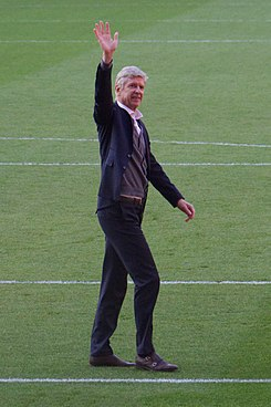 47 Merci Arsène - Lap of Appreciation (41910746152).jpg