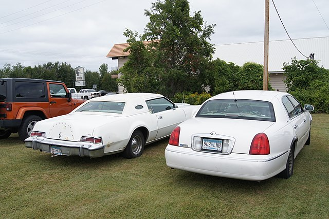 File 76 Lincoln Continental Mark Iv 99 Lincoln Town Car Cartier