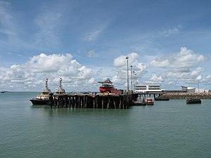 ACV Ocean Protector in Darwin December 2011 (1).jpg