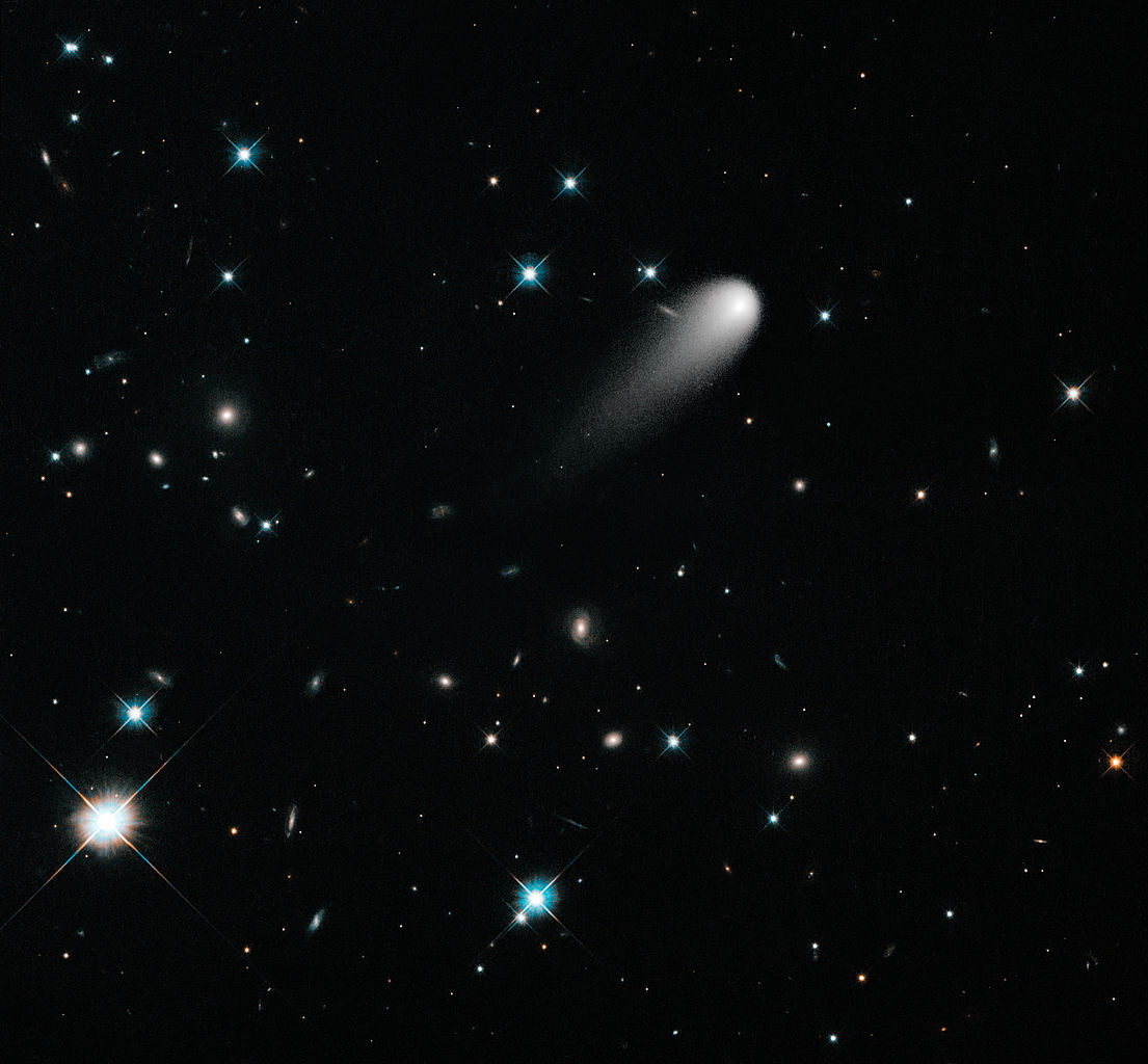 File:A Unique Hubble View of Comet ISON.jpg - Wikimedia ...
