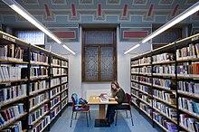 Public library - Wikipedia