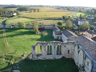 Grande-Sauve Abbey - Image: Abbaye de la Sauve 2005 11 reste du dortoir