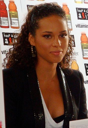 Alicia Keys in South Africa cropped