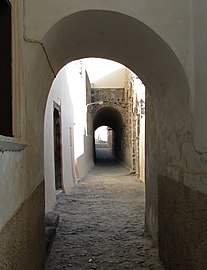 27a13caa74b Alley - Wikipedia