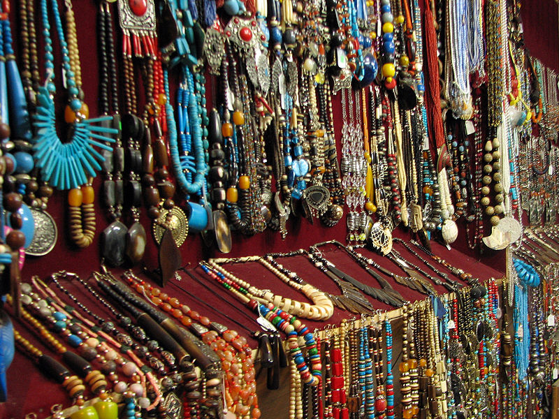 File:An array of jewellery being sold at Rishikesh.jpg