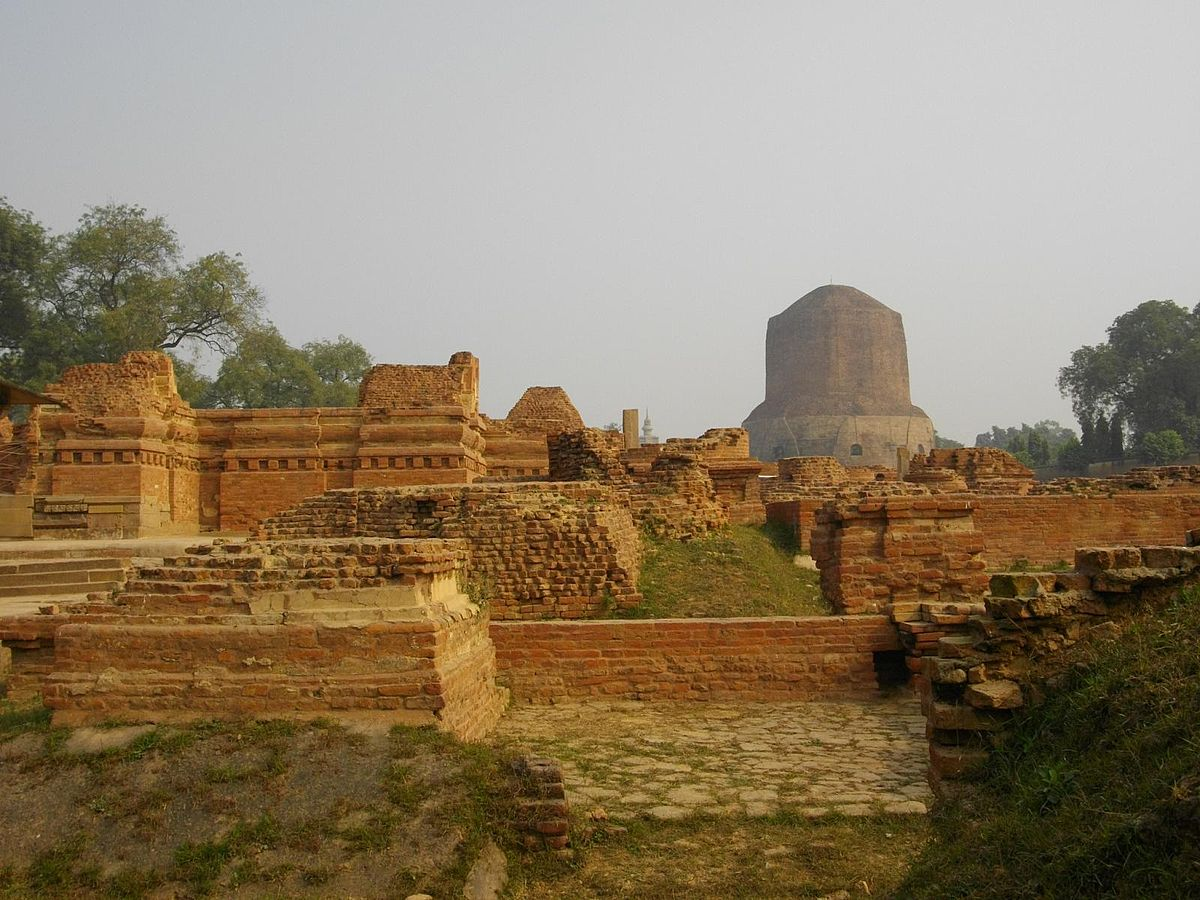 File:Ancient Buddhist monasteries near Dhamekh Stupa Monument Site, Sarnath.jpg