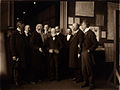 Andrew Carnegie visite le Musée International.jpg