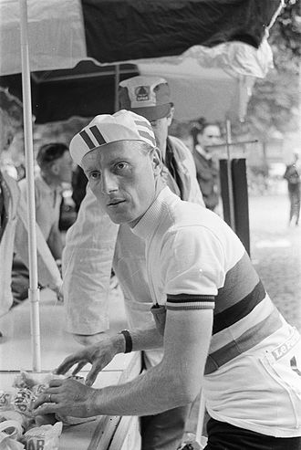 André Darrigade - Darrigade wearing the world champion's rainbow jersey at the 1960 Tour de France