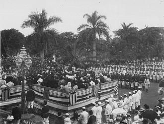 Legal status of Hawaii - U.S. and Republic troops at U.S. flag-raising in 1898