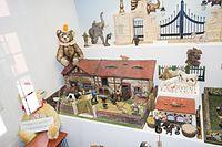Antique German farm toys (26585407360).jpg