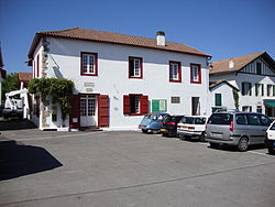 Arbonne (Pyr-Atl., Fr) mairie.JPG