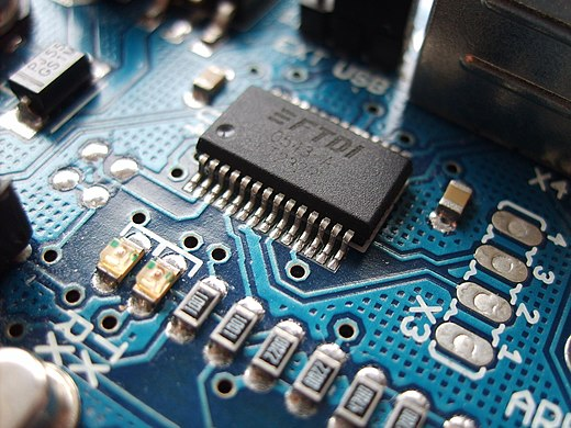 Surface-mount electronic components Arduino ftdi chip-1.jpg