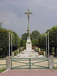 Argouges (50) Monument aux morts.jpg