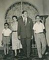 Arturo Uslar Pietri y familia (1950).jpg