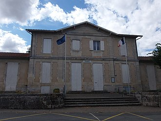 Asques, Gironde - The town hall in Asques