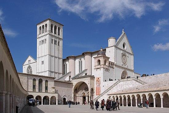 アッシジ、フランチェスコ聖堂と...