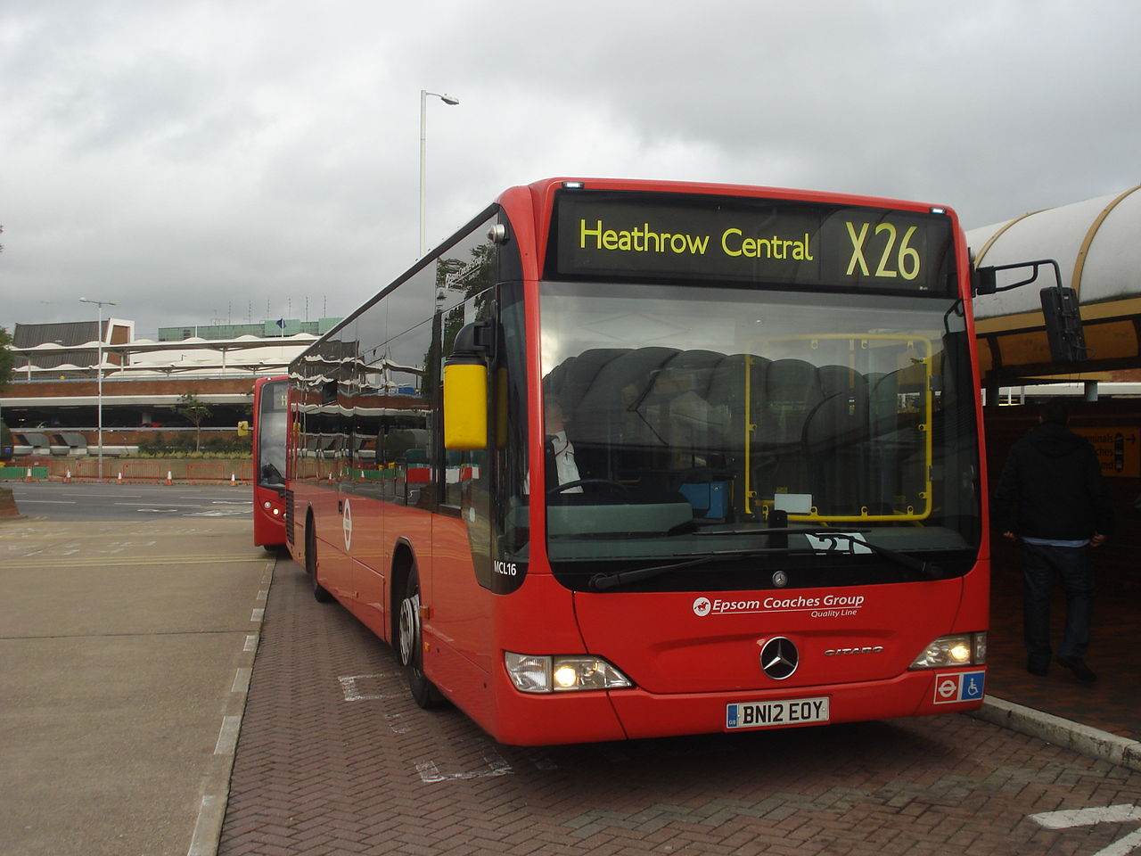 Clondoner92 express bus services in london - Mercedes benz garage london ...