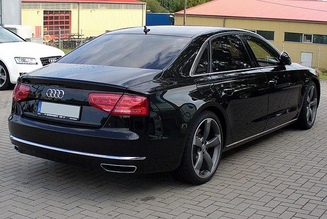 Audi A8L W12 (D4)