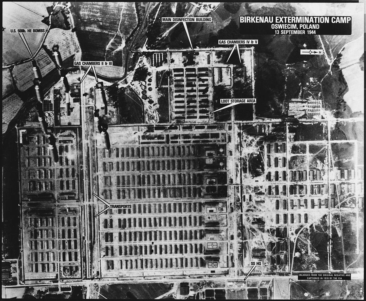 Débat sur le bombardement d\'Auschwitz — Wikipédia