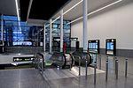 Bahnhof Flughafen Wien Schwechat Bahnhofsgebäude.jpg
