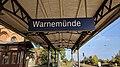 Bahnhofsschild Warnemünde 1810051011.jpg