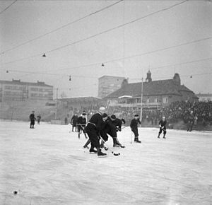 Frigg Oslo FK - Frigg Oslo playing a national bandy final against Mjøndalen IF in 1947