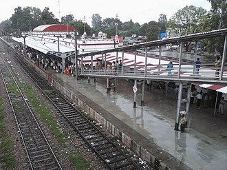 Barabanki Junction railway station - Image: Barabanki Jn Railway Station Inside View Barabanki City Side Entrance & Platform I