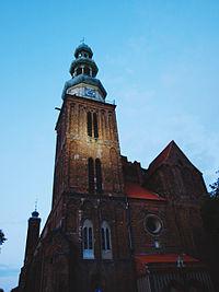 Bazylika konkatedralna Świętej Trójcy w Chełmży (widok od frontu)
