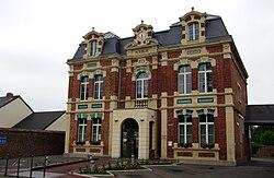 Beaumetz-lès-Loges mairie 1 •K5•.jpg