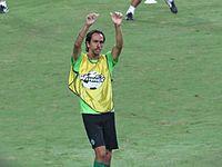 Benayoun thank fans.jpg